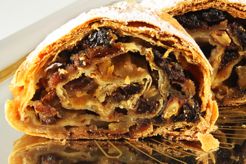 After Christmas Pudding Strudel