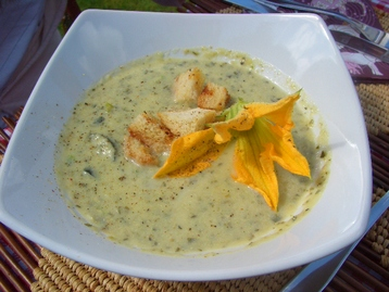 Recipe Summer Courgette Soup - mydish