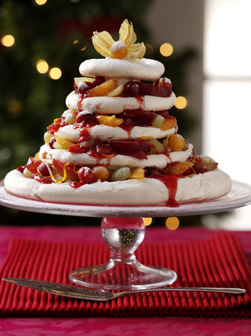 Christmas Tree Meringue.Christmas Tree Meringue Pyramid With Spiced Berry Filling