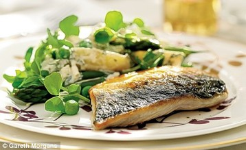 Jo Pratt's Pan-fried Mackerel with Pea Shoots and Summer Potato Salad