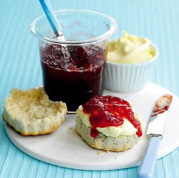Jo Pratt's Quick/soft Set Strawberry Jam