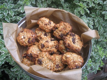 Recipe Healthy Fruit and Nut Oaty Biscuits - mydish