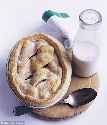 Alastair Hendy's Old-fashioned Rhubarb Pie