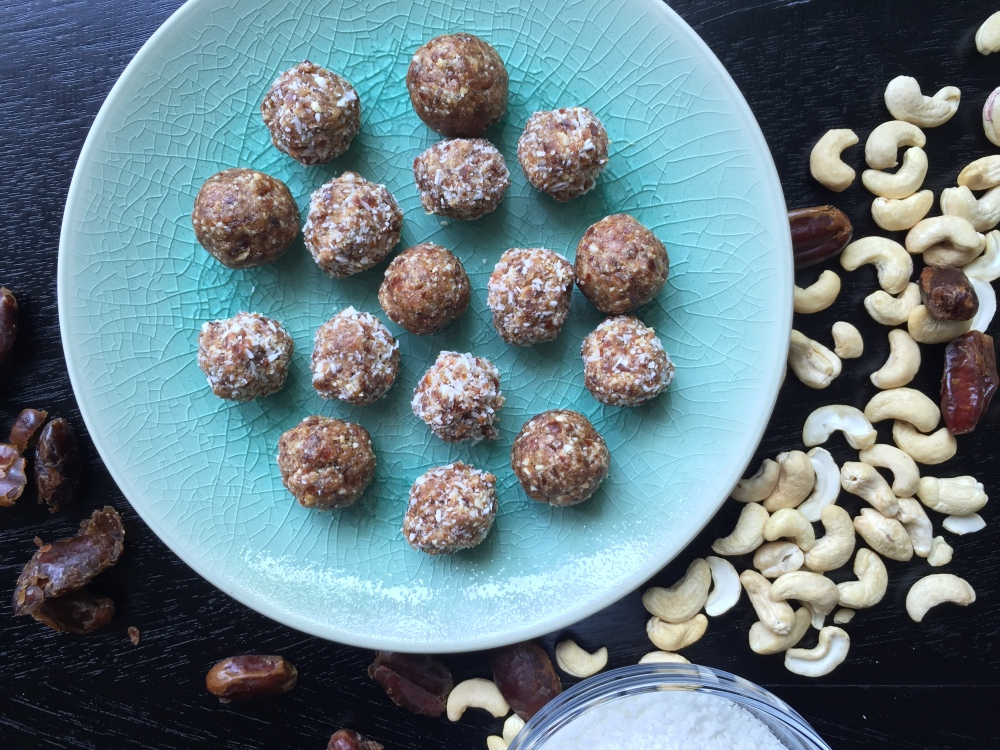 Recipe Three ingredients energy balls - mydish